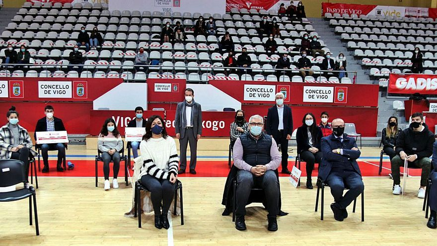 VIDE entrega becas por 20.000 euros a veinte deportistas sub 23