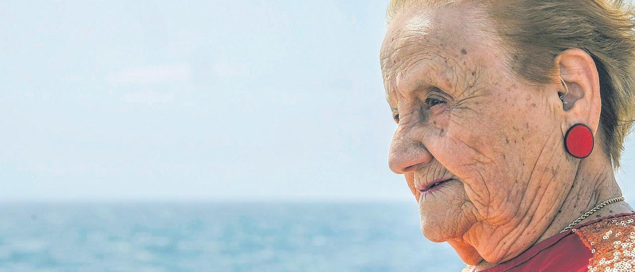 Lucía Santana Bolaños, patrona de pesca.