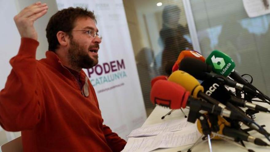 Fachin dimite como líder de Podemos en Cataluña
