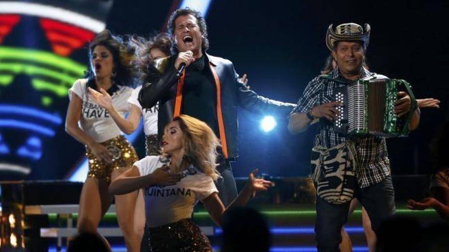 Juan Gabriel y Colombia triunfan en los Grammy latinos