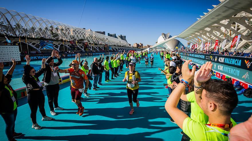 Maratón València y Medio Maratón buscan voluntarios