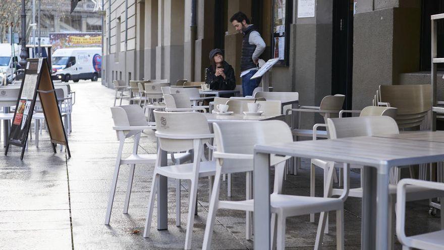 La ocupación cayó un 4,4 % en los servicios en Canarias