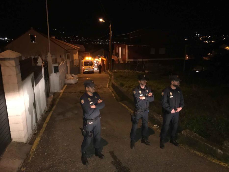 Dos fallecidos al arder una vivienda en Chapela