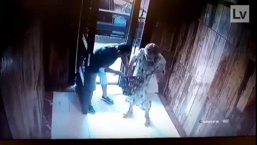 Brutal agresión a una anciana para robarle en València