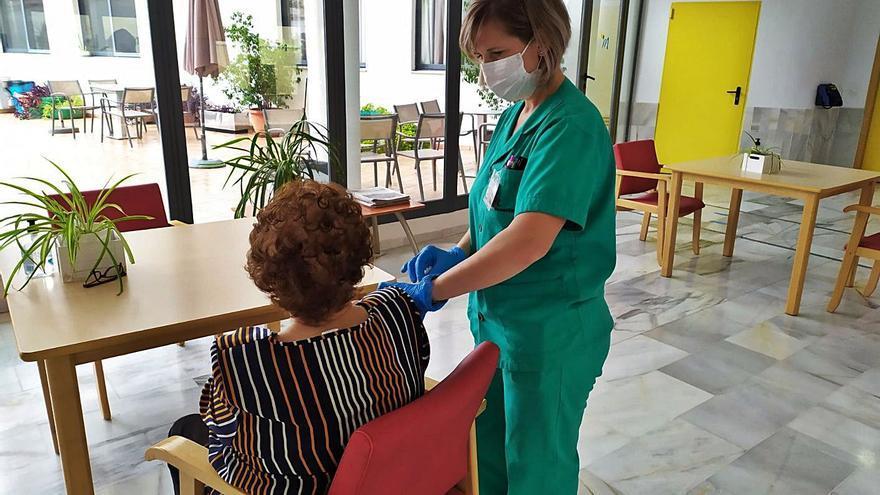 Los mayores de 70 años serán los primeros en vacunarse de la gripe