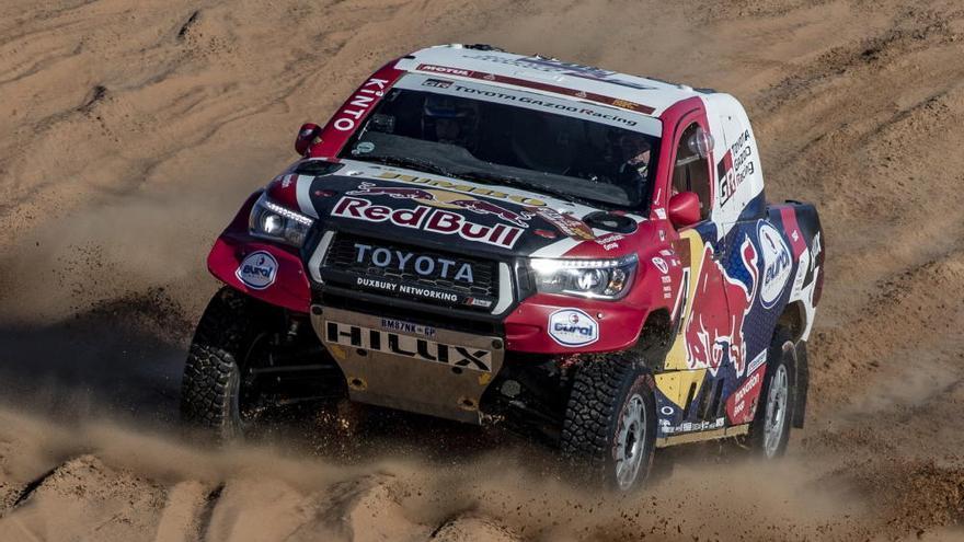 Peterhansel se lleva la undécima etapa y Sainz está a un paso de ganar el Dakar