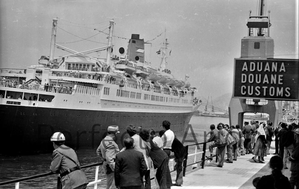 PUERTO. TURISMO. 1972