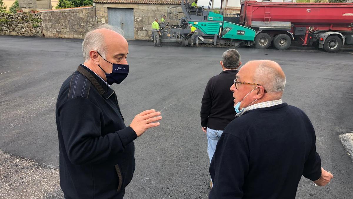 Gonzalo Durán observó ayer el avance de los trabajos en San Miguel de Deiro.