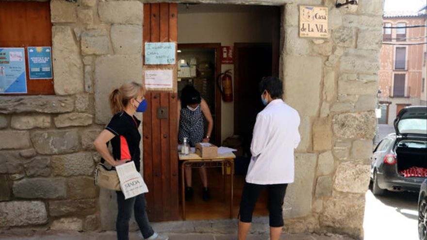 Indignació a Sant Llorenç de Morunys, sense servei de Correus perquè la cartera està de baixa