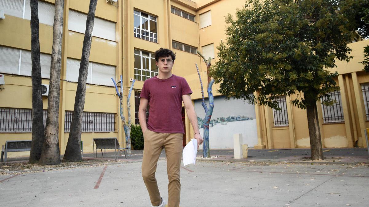 Enrique Longa, este lunes, en su instituto Infante Don Juan Manuel de Murcia