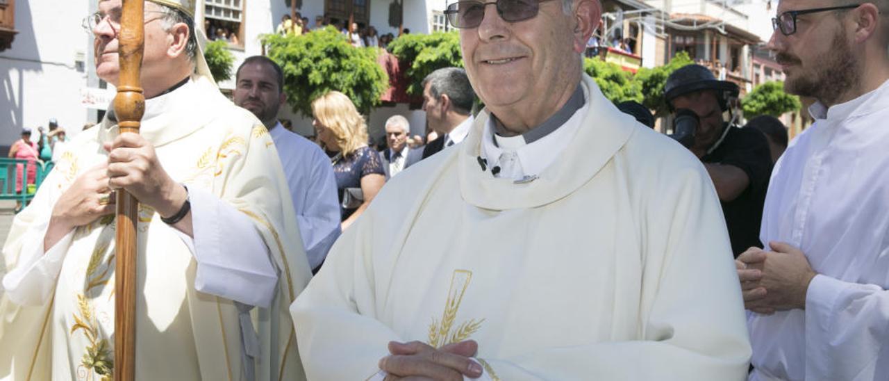 Antonio Perera, ayer, durante la procesión en Teror.