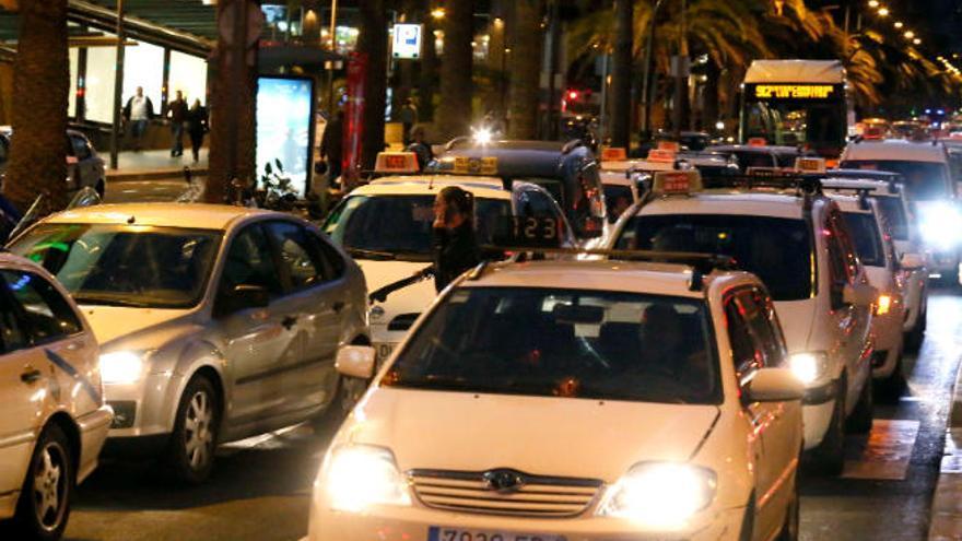 El coste del taxi en la capital sube desde hoy entre 20 y 55 céntimos