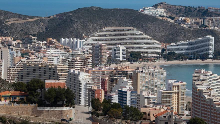 Los hoteles valencianos, a mitad de ocupación para San Juan