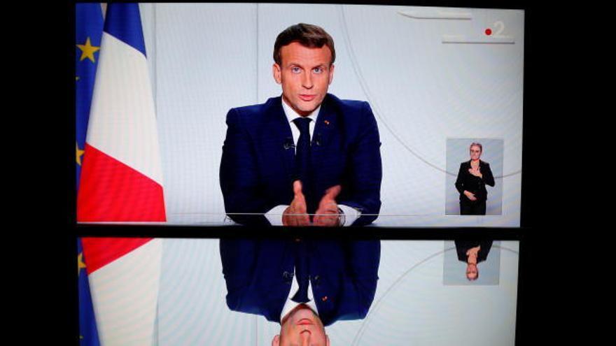 Francia decreta un confinamiento limitado