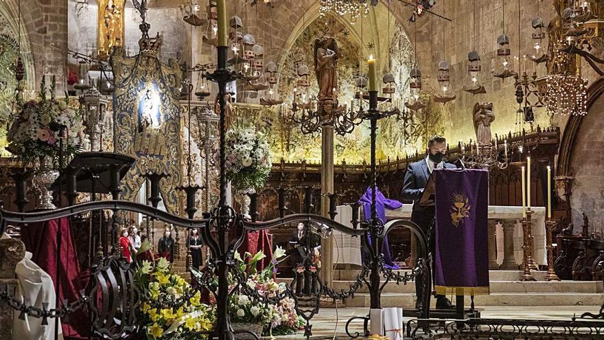 Misa rociera en la Catedral por los 25 años de la hermandad
