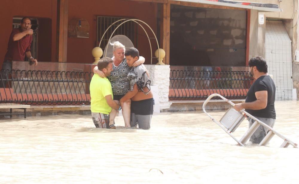 Vecinos de Almoradí evacuados