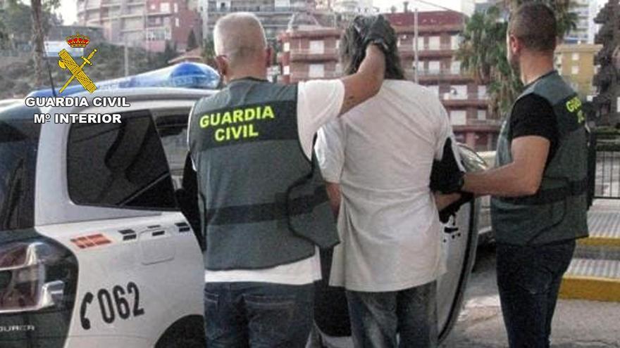 Detienen en el Puerto de Mazarrón a un experimentado ladrón buscado por la justicia