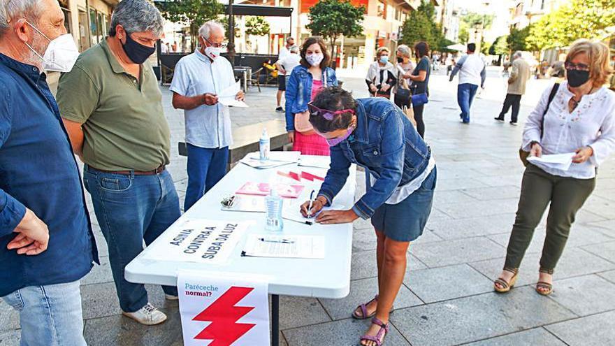 Prado alerta que cada familia pagará en junio 20 euros más de luz que hace un año