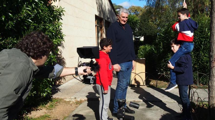 Fernando Romay se suma al rodaje de los alumnos del instituto Son Pacs