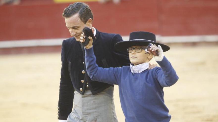 Los tuiteros niegan que sus mensajes dañasen al niño de Alzira que quería ser torero