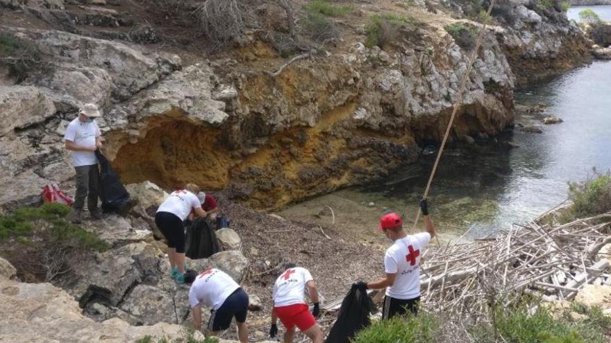 Selbst die Strände der Insel Cabrera sind voller Plastikmüll