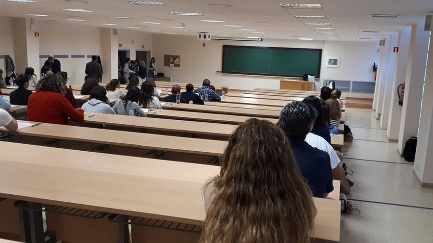 """Andalucía dice que las oposiciones de Secundaria """"se mantienen"""" y se celebrarán con """"medidas de seguridad"""""""