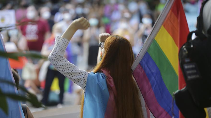 Manifestación contra las agresiones homófobas en València