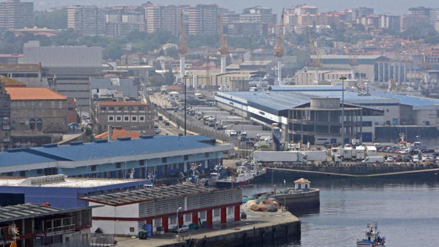 El Concello insta al Puerto a ganar espacio en Bouzas con la reubicación de empresas