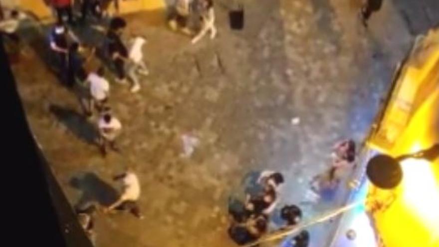 Vecinos del Centro de Málaga denuncian el incremento de peleas por la noche