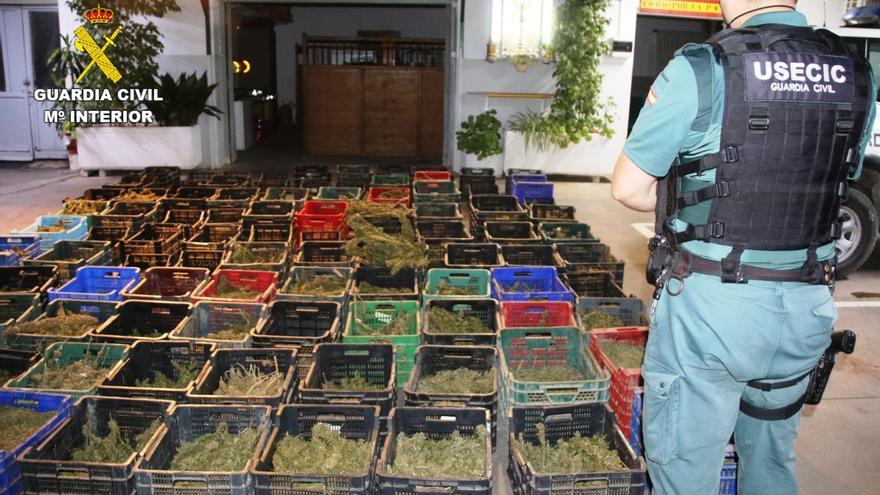 Dos detenidos con un furgón lleno de marihuana en les Alqueries