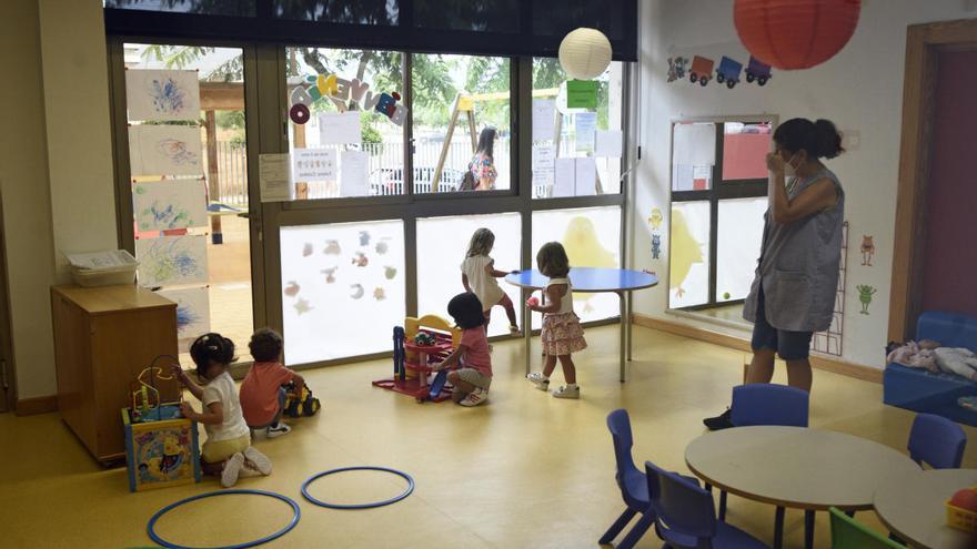 Educación deniega 54 ayudas para Infantil y solo concede dos becas