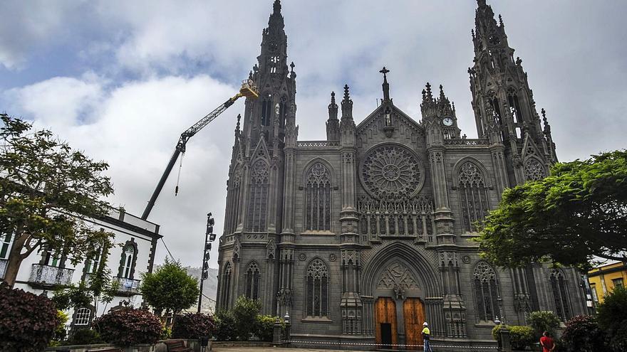 La iglesia de San Juan empieza una nueva revisión del estado de su piedra