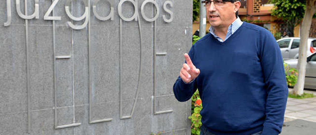Juan Francisco Artiles, portavoz de Mas Por Telde, volvió a declarar como testigo ayer.