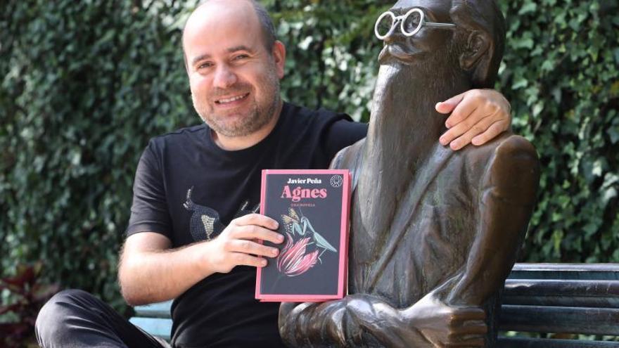 """El escritor gallego Javier Peña llega a Vigo con """"Agnes"""""""