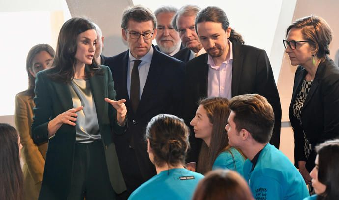 La reina Letizia entrega un premio en A Coruña