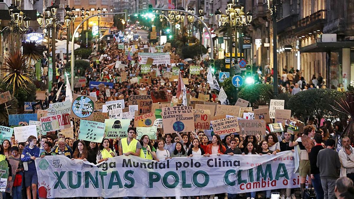 Manifestación en Vigo contra el cambio climático.  | // JOSÉ LORES