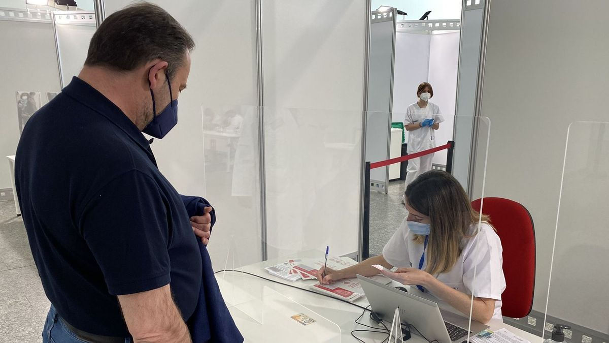 José Luis Ábalos se ha vacunado este lunes en Valencia.