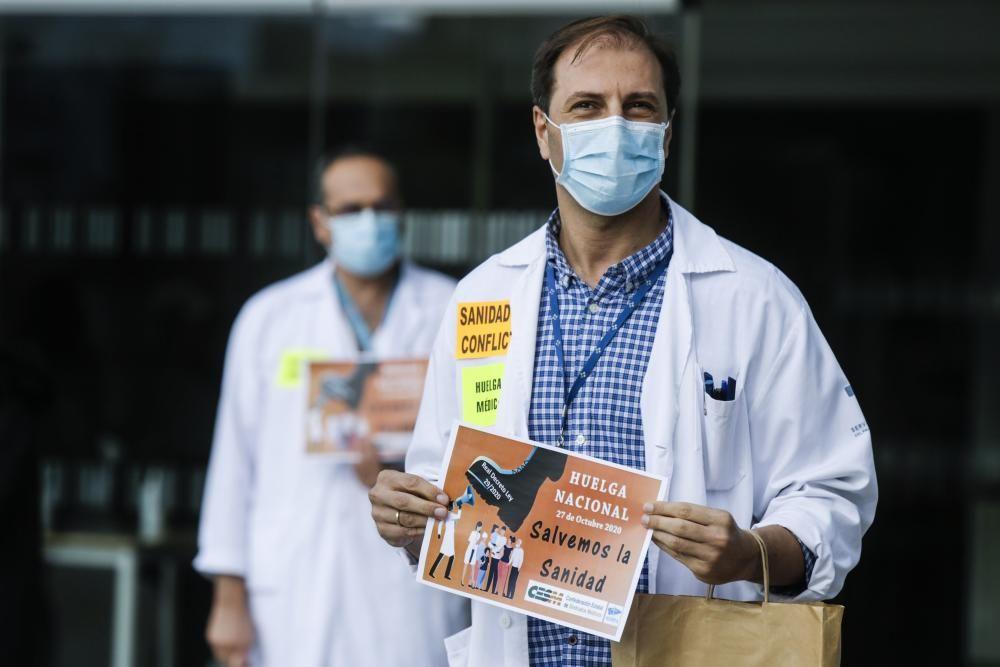 Huelga de médicos en el HUCA