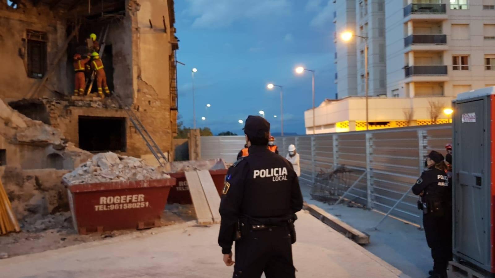El rescate de una gata en Burjassot moviliza a Bomberos, Policía Local y Protección Civil