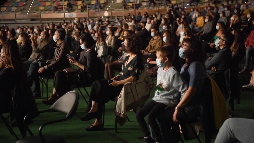 Cines, teatros y congresos en Galicia deberán registrar a los asistentes con datos de contacto