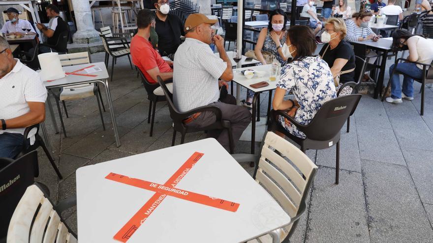 La Xunta plantea a la hostelería tres niveles de seguridad con beneficios de aforo