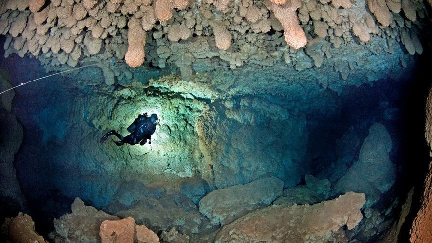 Recaudan fondos para una investigación en cuevas sumergidas de Mallorca