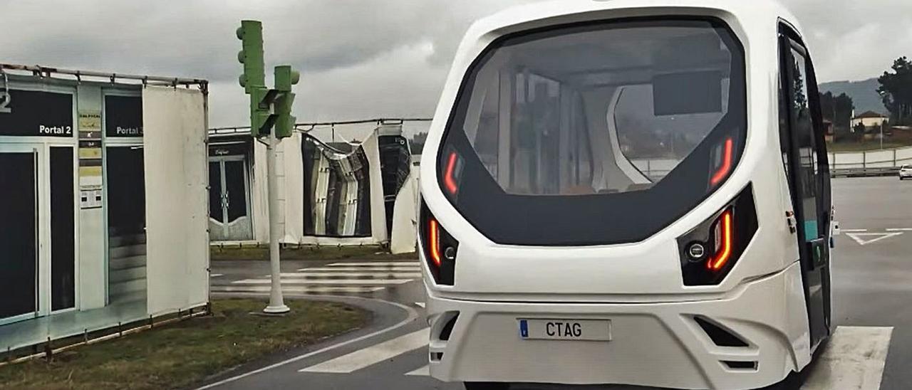 El vehículo presentado por Luis Moreno durante Automob Summit.     // CTAG