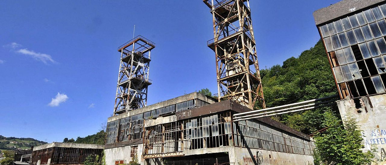 El pozo Polio de Mieres, una de las antiguas minas donde se propone empezar a instalar minicentrales hidráulicas. | LNE