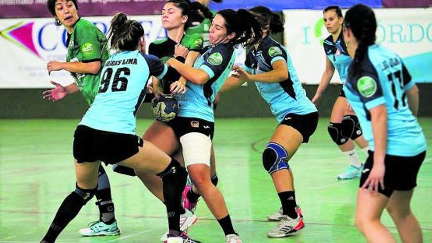 El BM Morvedre no falla en Córdoba y logra su primera victoria de la temporada