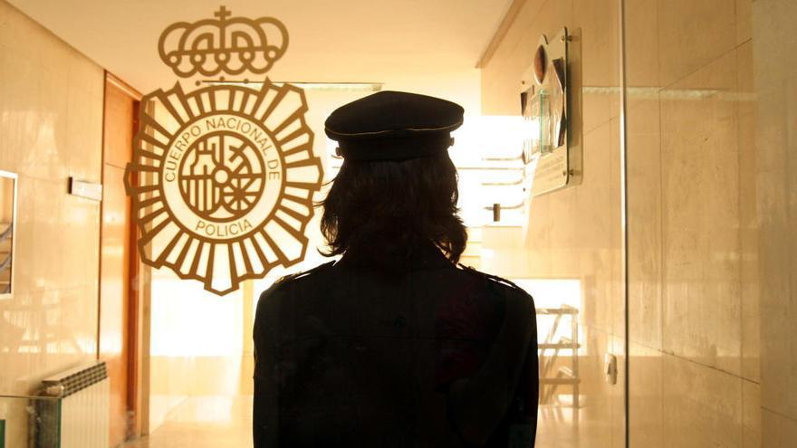 Una policía de paisano viguesa frenó la agresión a la joven apuñalada en Santiago