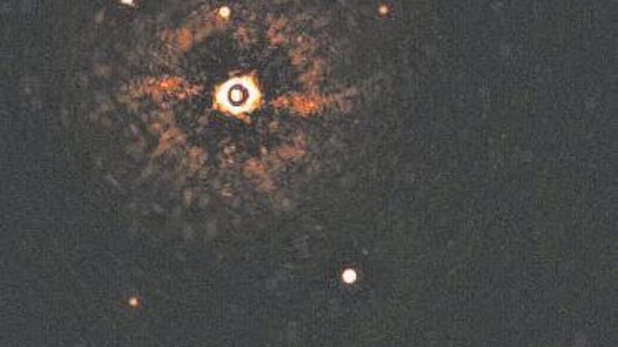 Captada la primera imagen de un sistema solar como el nuestro
