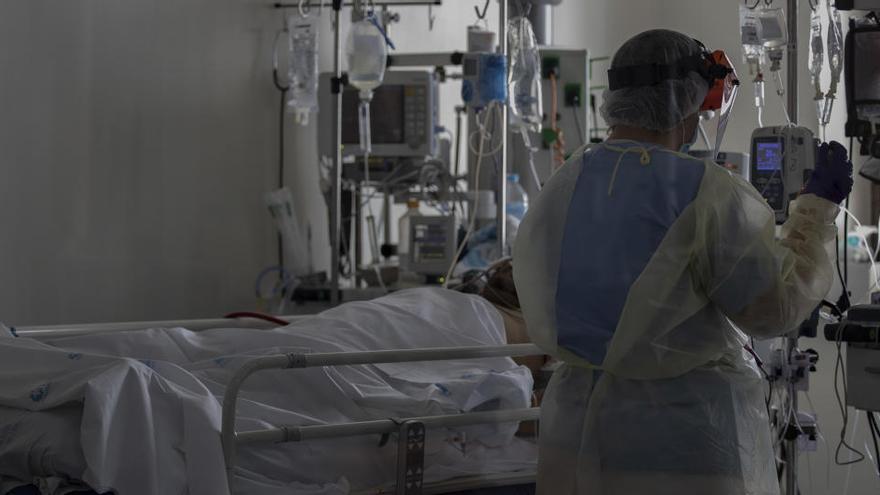 Médicos piden restricciones rápidas antes de la gripe