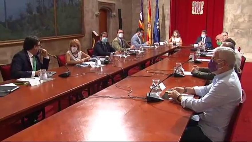 Gobierno y agentes sociales ven vías de acuerdo con los ERTE y seguirán negociando
