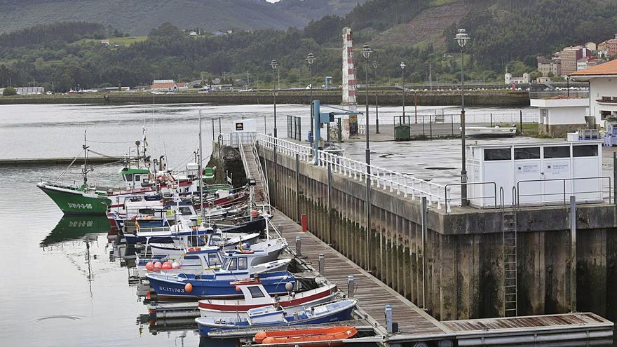 """El puerto de La Arena, en alerta, tras la última borrasca: """"La próxima hay millones de pérdidas"""""""